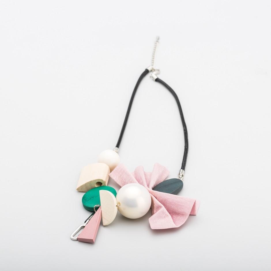 Collar lazo rosa