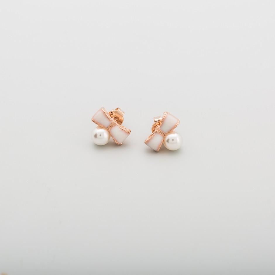 Pendiente lazo nude perla mini
