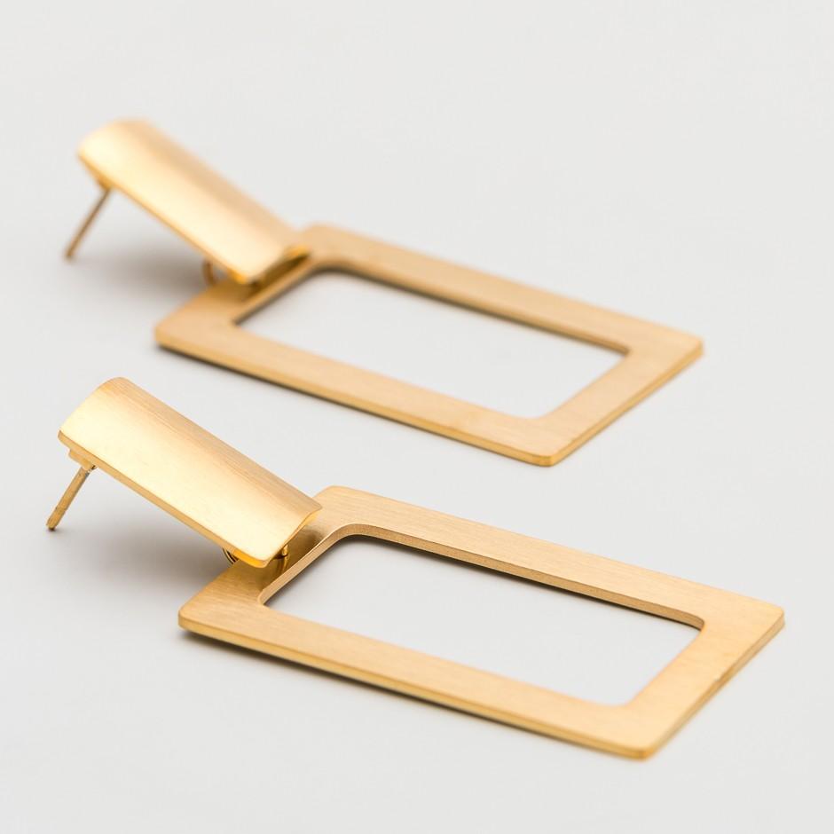 Pendiente square dorado