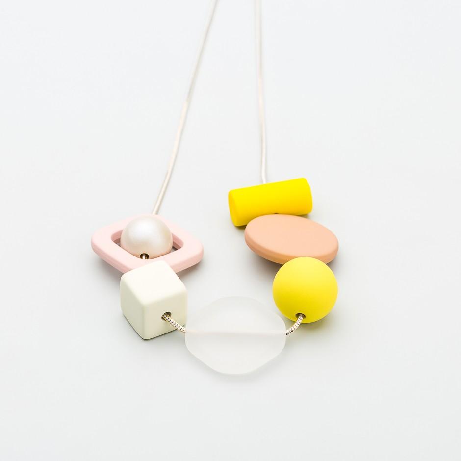 Collar piezas rosas perla