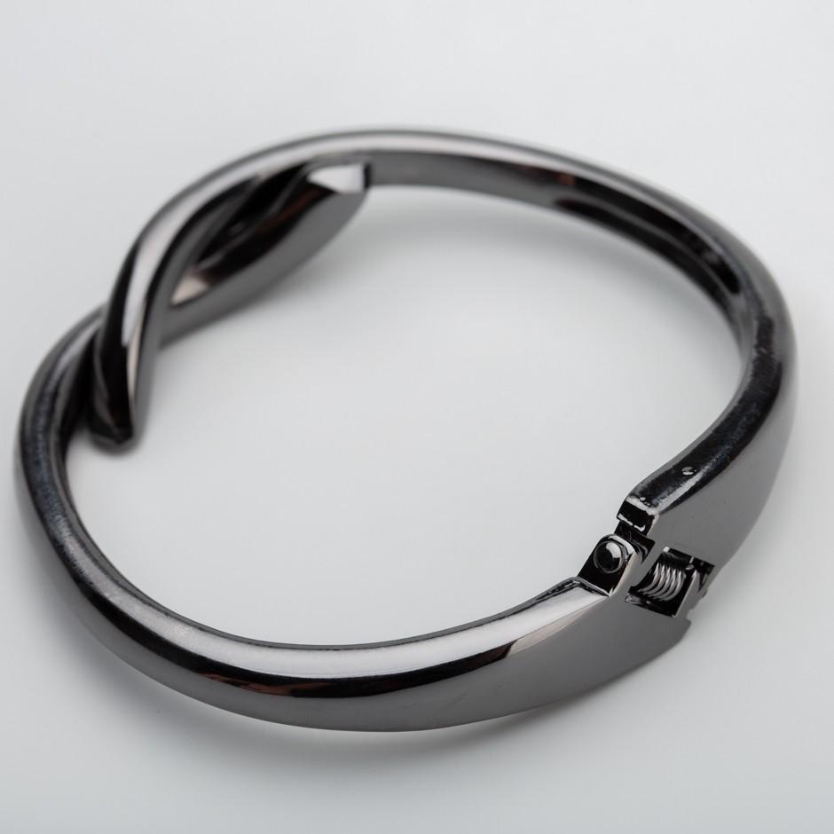 Brazalete nudo negro