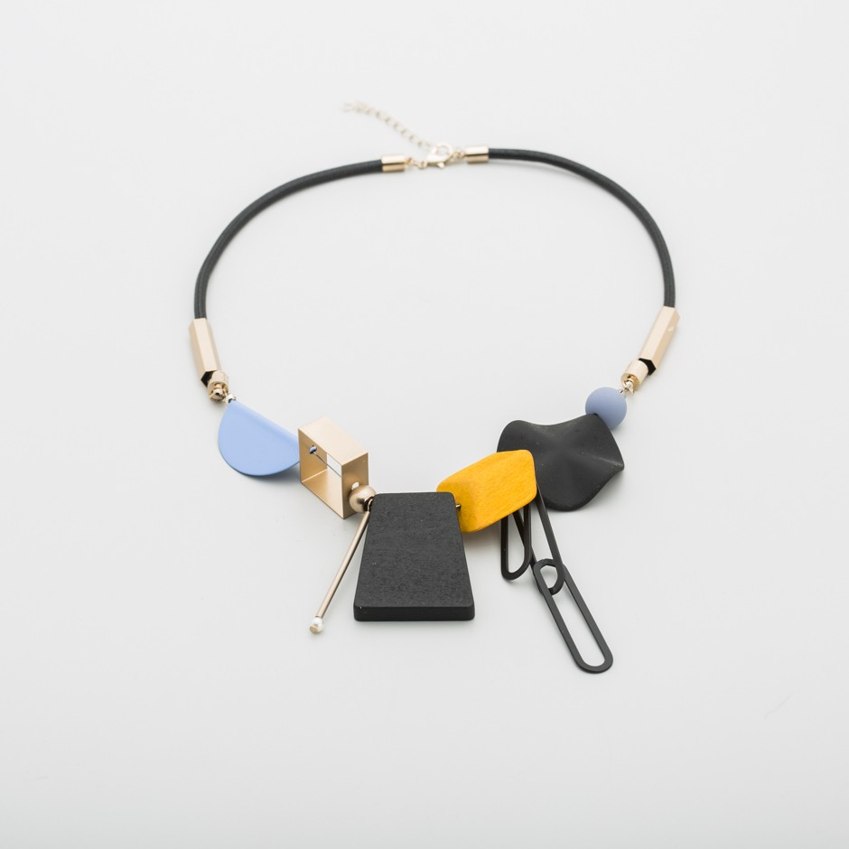 Collar geométricas mostaza