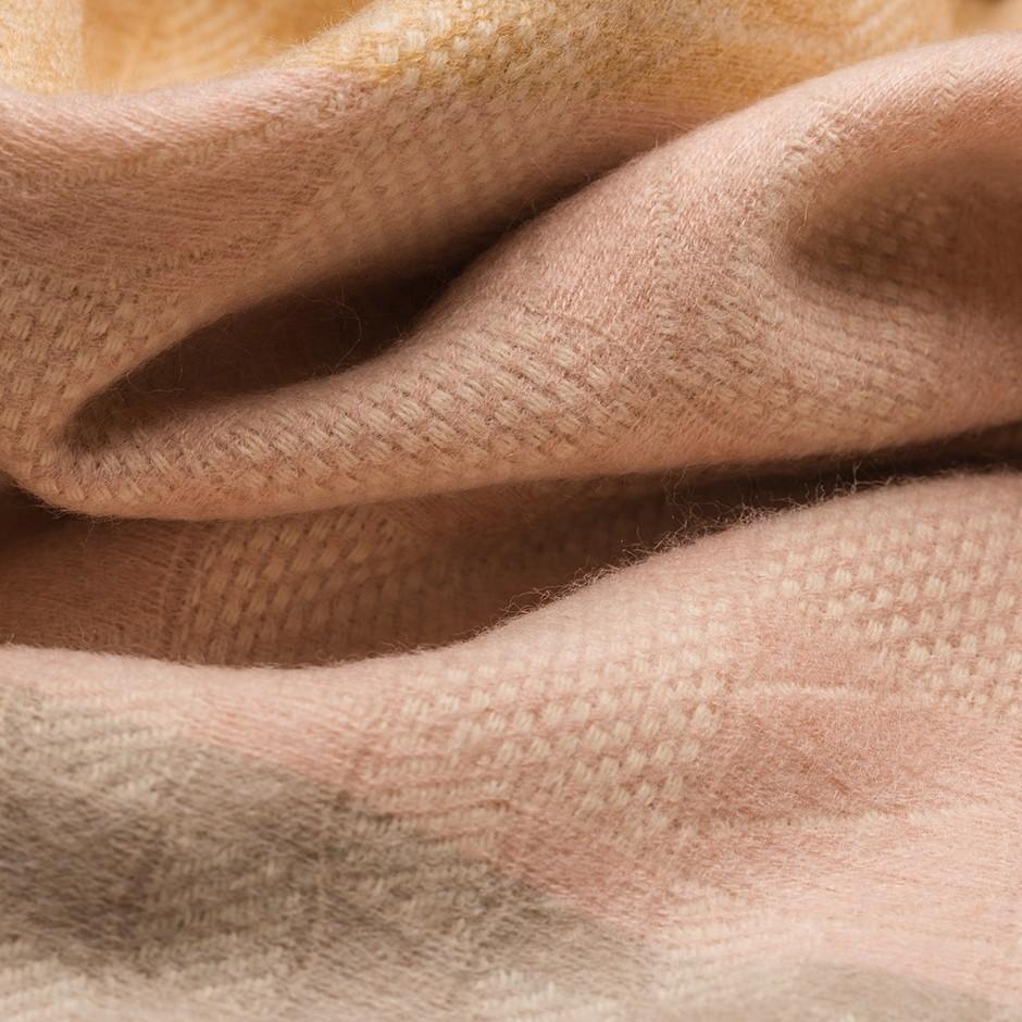 Bufanda rosa y camel