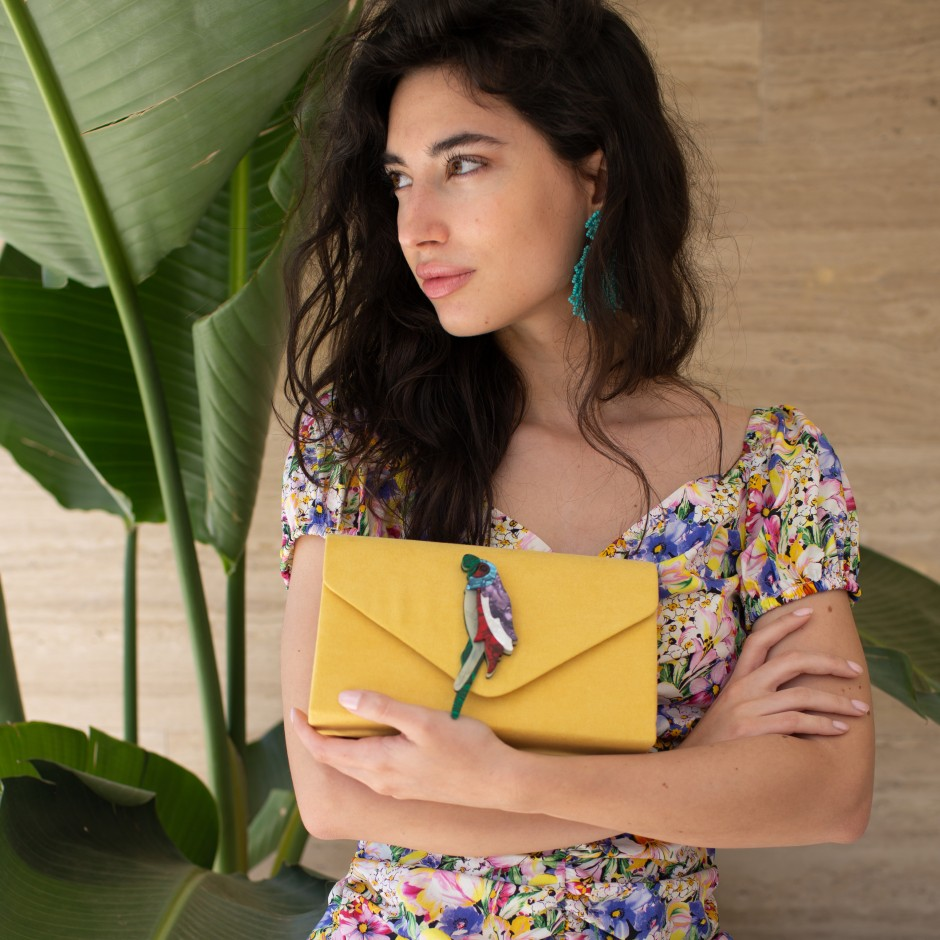 Clutch stone amarillo